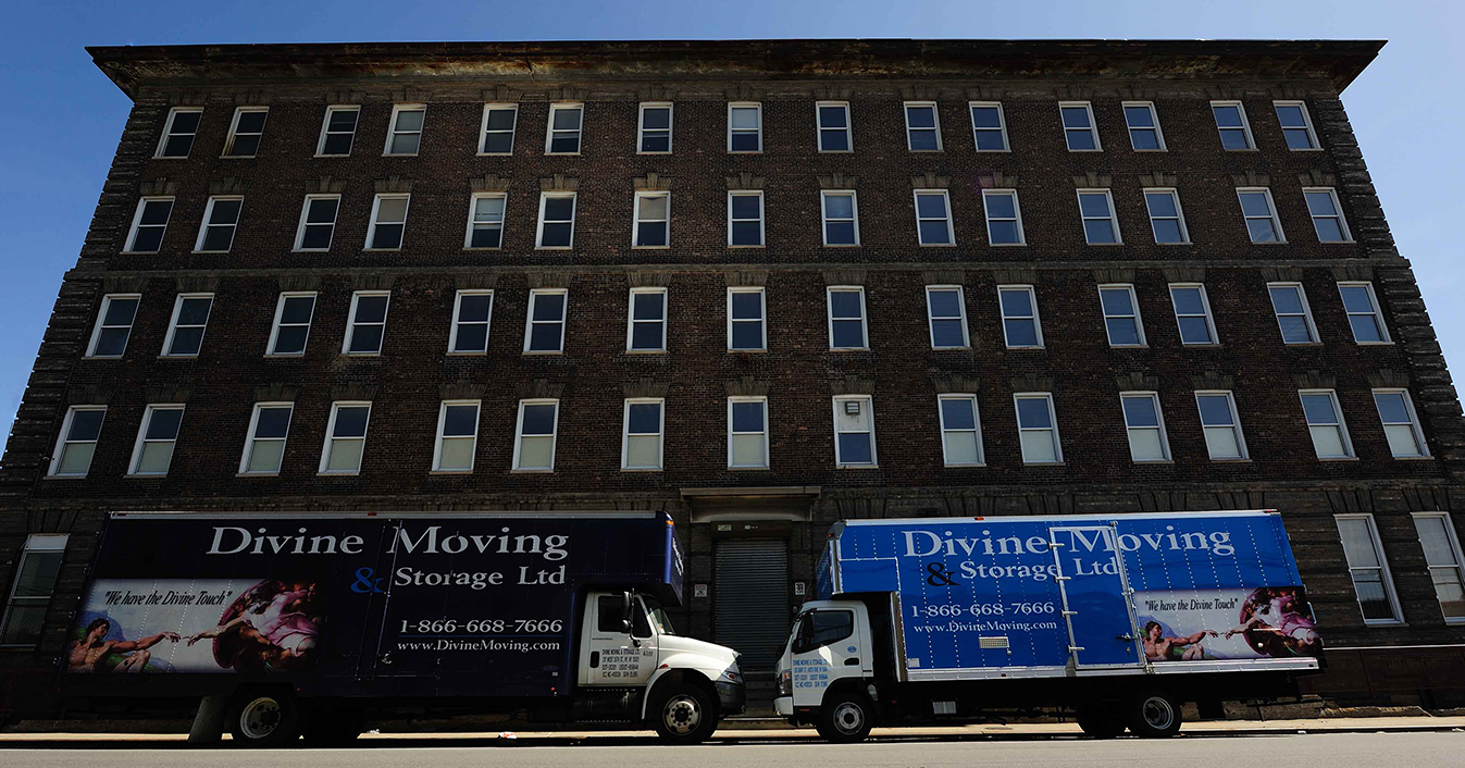Our storage facility Manhattan is one of the best equipped in NYC.